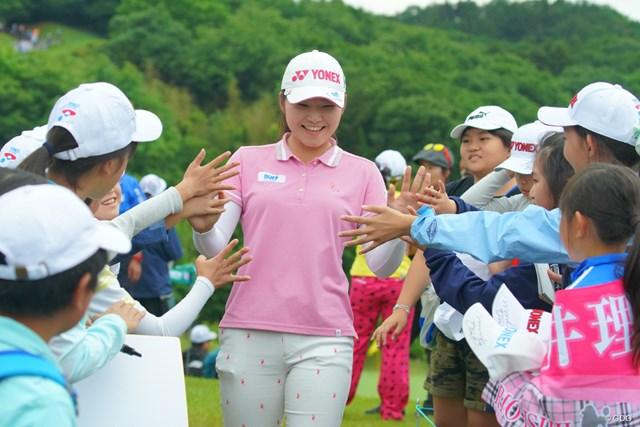 2019年 ヨネックスレディスゴルフトーナメント 2日目 石井理緒 地元で初優勝のチャンスを得た石井理緒。歓声を味方につけたい