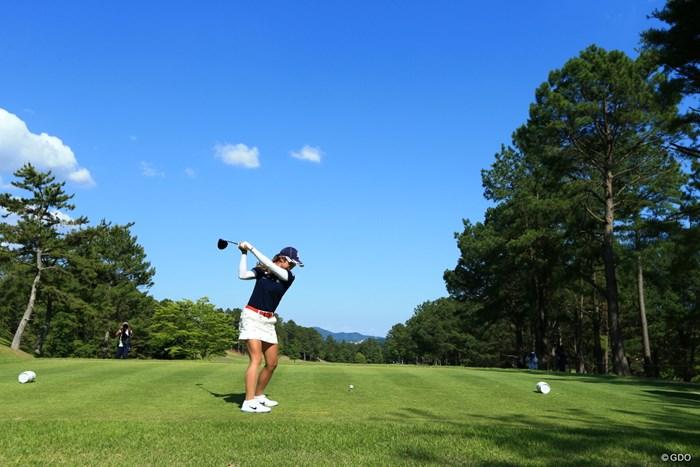 萌衣ちゃん頑張れ、青空に向かって2アンダー 2019年 宮里藍サントリーレディスオープンゴルフトーナメント 初日 高木萌衣