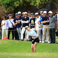 難しいアプローチ、惜しくもカップ通りこした 2019年 宮里藍サントリーレディスオープンゴルフトーナメント 2日目 安田祐香