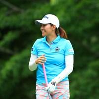 隣のグリーンでパター中 2019年 宮里藍サントリーレディスオープンゴルフトーナメント 2日目 新垣比菜