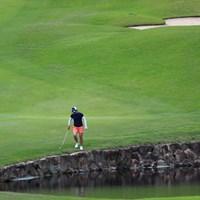 18番の第一打をこんなところまで飛ばしちゃったよ 2019年 宮里藍サントリーレディスオープンゴルフトーナメント 最終日 永峰咲希
