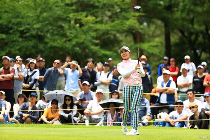 9番、珍しくサングラス外してのティーショット 2019年 宮里藍サントリーレディスオープンゴルフトーナメント 最終日 比嘉真美子