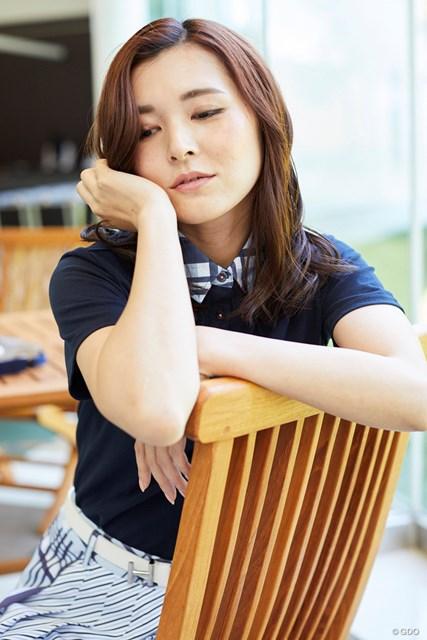 茨城美女とゴルフデート始まります/第1話【方言2サム漫遊記】 こういうアンニュイな表情もアートでござります