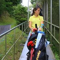 エスカレーター多いです 2019年 トヨタ ジュニアゴルフワールドカップ 2日目 ナタリア アセギンラサ マルティン(スペイン)