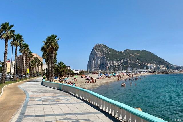 2019年 アンダルシア バルデラママスターズ 事前 ジブラルタルの岩 海岸線にあるジブラルタルの岩。ホテルとは目と鼻の先にあります