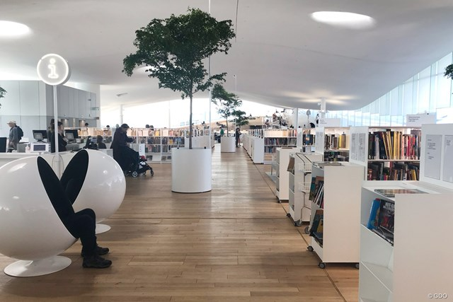 図書館 ヘルシンキ市内の図書館