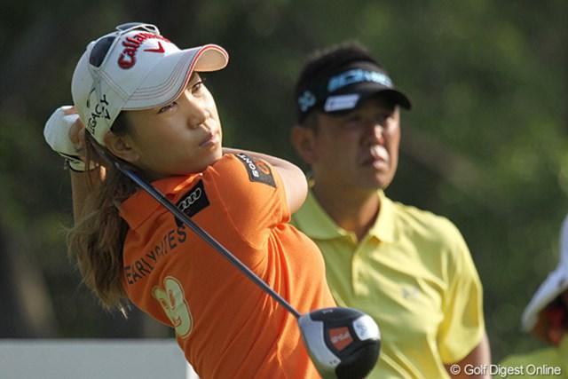 2010年 ホンダPTT LPGAタイランド 事前 上田桃子 ショット好調の上田桃子。右肩には、新しくスポンサーとなったアウディのロゴが光る!