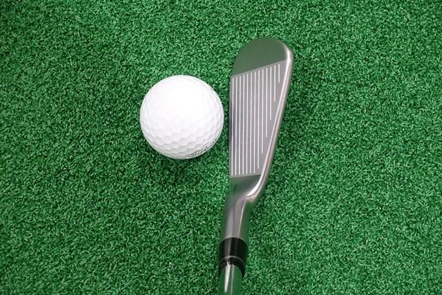 新製品レポート 本間ゴルフ TW-MB ローズ プロト アイアン ひと目で上級者用とわかる小さいヘッドと薄いトップブレード。少しフトコロ感があるのが特徴