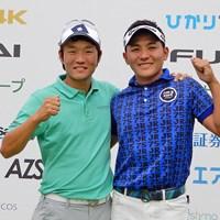 優勝した浅地洋佑(左)と池村寛世 2019年 ひかりTV 4K・FUNAI ダブルスゴルフ選手権 浅地洋佑(左)&池村寛世