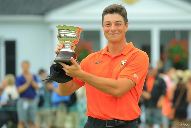 「マスターズ」でシルバーカップを手にしたホブラン。続く「全米オープン」でもローアマに輝いた