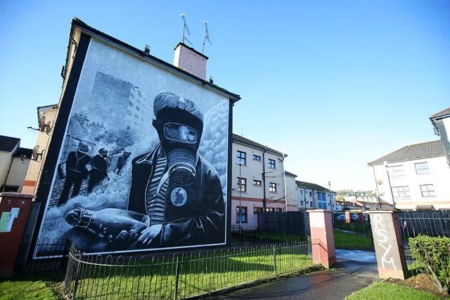 壁画を使ってBREXITと北アイルランドの関係を示唆( (Jonathan Porter/PressEye/picture alliance via Getty Images)