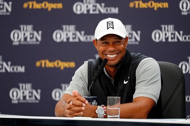 2019年 全英オープン 事前 タイガー・ウッズ 会見で時折笑顔を見せたウッズ(Kevin C. Cox/Getty Images)