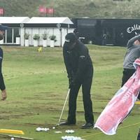 ミケルソンも雨対策に両手袋(撮影/塚田好宣) 2019年 全英オープン 事前 フィル・ミケルソン