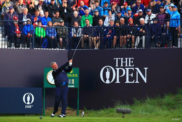 「全英オープン」初日がスタート。北アイルランド出身D.クラークのティショットで幕を開けた 2019年 全英オープン 初日 ダレン・クラーク