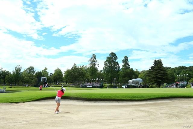 2019年 センチュリー21レディスゴルフトーナメント 2日目 稲見萌寧 バンカーショット、さすがうまいや