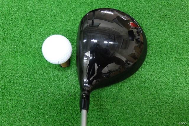 大ぶりでシャロー。ヘッドスピードが遅めのゴルファーに適したヘッド形状