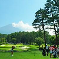 17番Par3は富士山に向かって豪快に。 2019年 大東建託・いい部屋ネットレディス 最終日 成田美寿々