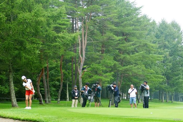 練習ラウンドはテレビカメラが追った 2019年 NEC軽井沢72ゴルフトーナメント 事前 渋野日向子