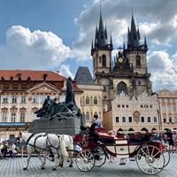 チェコ・プラハの広場で。絵画みたい… 2019年 川村昌弘