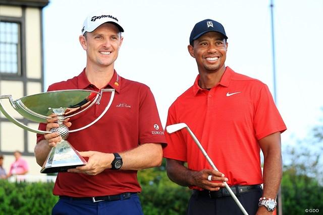昨年優勝のウッズ(右)は今大会不在、ローズが2季連続年間王者を目指す