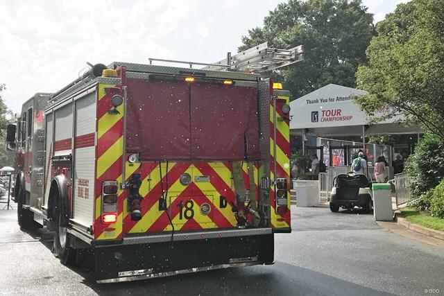 イーストレイクGCには雷が落ちた後、消防車が搬入された