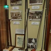 もちろん日本ゴルフの歴史を作ったレジェンドたちのクラブも保管 JGAゴルフミュージアム-日本の名選手のクラブ