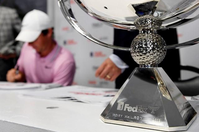マキロイの名が刻印されたフェデックスカップ(Tracy Wilcox/Getty Images)