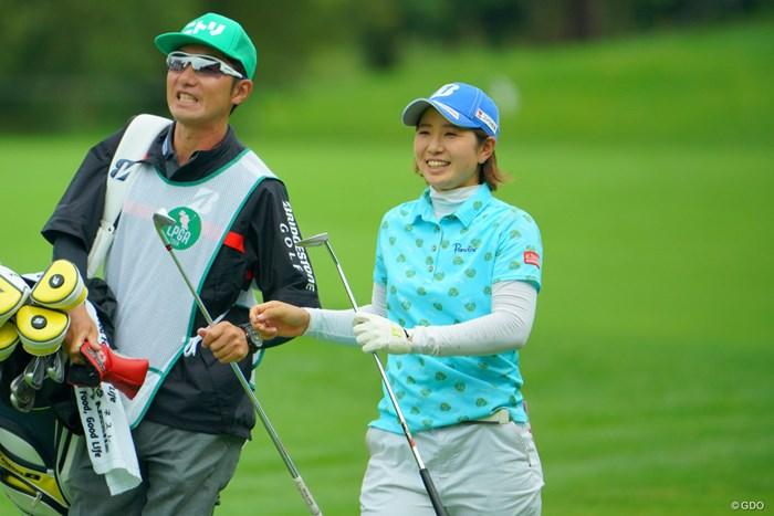 5位発進の蛭田みな美(右)。好調をキープしている 2019年 ニトリレディスゴルフトーナメント 初日 蛭田みな美
