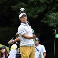 右手だけで念入りにスイングのチェック 2019年 RIZAP KBCオーガスタゴルフトーナメント 初日 石川遼