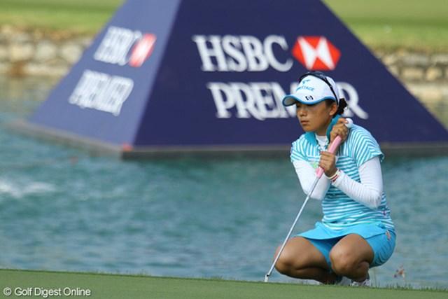 2010年 HSBC女子チャンピオンズ2日目 有村智恵 「パットが全く入らなかった」という有村。残り2日で何かを掴めるか!?