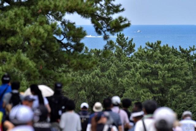 2019年 RIZAP KBCオーガスタゴルフトーナメント 3日目 景色 快晴の3日目、波も穏やかになってきた