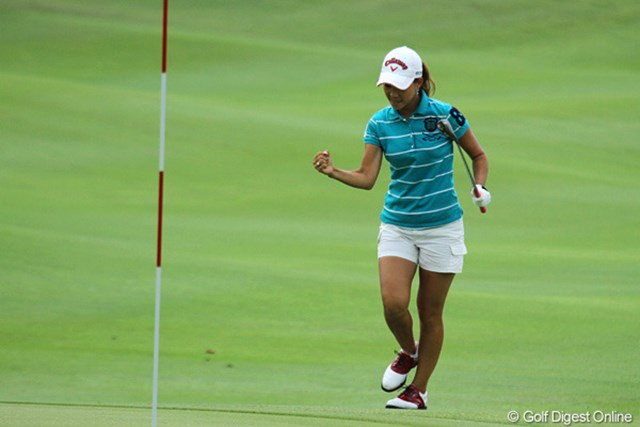 2010年 HSBC女子チャンピオンズ 最終日 上田桃子 9番でチップインイーグルを決めた上田桃子!