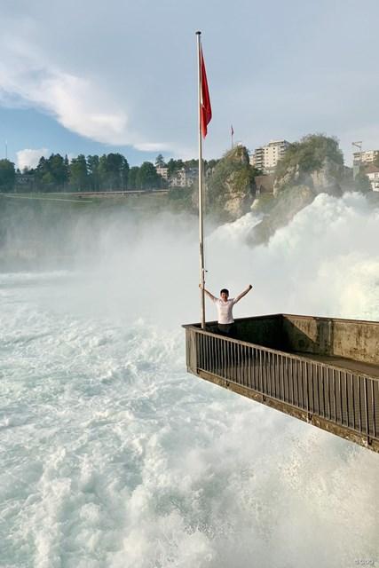 ライン滝で記念撮影