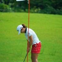 いわゆる「串刺し写真」。今年はルール改正でこの写真が増えました。 2019年 ゴルフ5レディス プロゴルフトーナメント 2日目 吉川桃