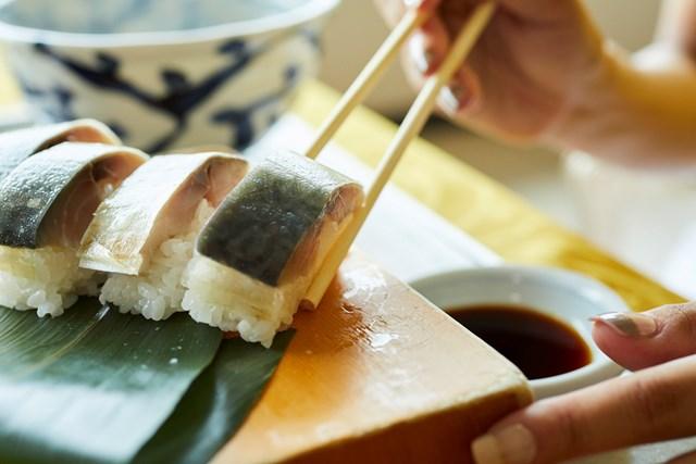 鯖松前寿司と季節の天ぷら+そばまたはうどんセット(詳しくは次項で)