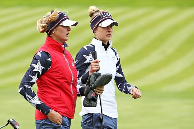 フォアサムでは米国のJ.コルダ(左)&N.コルダが2連勝。姉妹がチームを牽引している (Jamie Squire/Getty Images)