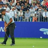 正規の最終18番でバーディパットを外す時松隆光 2019年 ANAオープンゴルフトーナメント  最終日 時松隆光