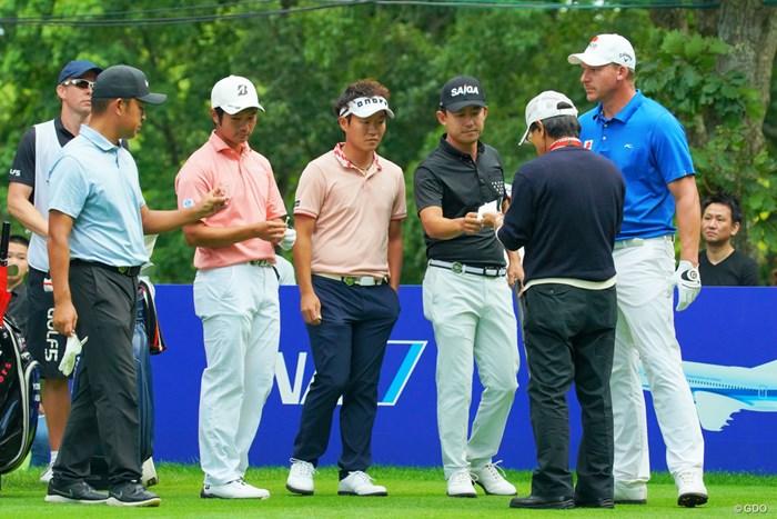 時松隆光(左)は2大会連続のプレーオフで敗れた 2019年 ANAオープンゴルフトーナメント  最終日 時松隆光