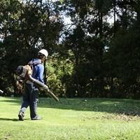 多くのスタッフがコースの回復につとめた 2020年 ZOZOチャンピオンシップ 事前 アコーディア・ゴルフ-習志野カントリークラブ