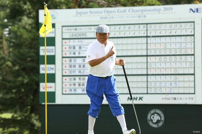 ニッカボッカスタイルのジェット尾崎 2019年 日本シニアオープンゴルフ選手権競技 初日 尾崎健夫