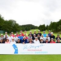 宮里藍とピア、リン、参加したジュニアゴルファーたち(写真:大会提供) 集合写真
