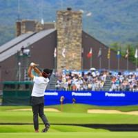 クラブハウスに向けてどーん! 2019年 パナソニックオープンゴルフチャンピオンシップ 2日目 池田勇太