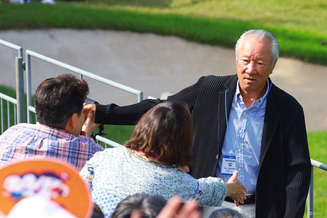 2019年 パナソニックオープンゴルフチャンピオンシップ 3日目 青木功JGTO会長 青木功JGTO会長の飛び入り参加に観客はびっくり!