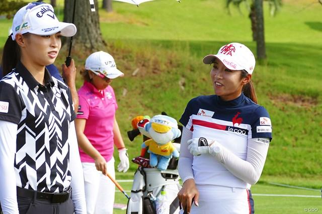 2019年 日本女子オープンゴルフ選手権 事前 イ・ボミ イ・ボミ(右)は結婚後も現役を続けると明言した