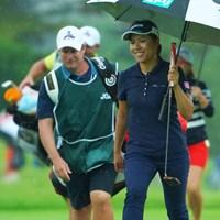 首位タイスタートに笑顔もこぼれます。 2019年 日本女子オープンゴルフ選手権 初日 岡山絵里