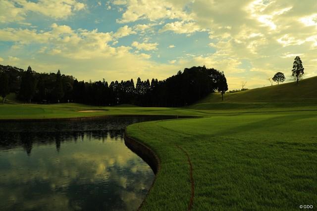 2019年 日本女子オープンゴルフ選手権 初日 11番 朝はまずまずの天気だったのにねぇ。午後は雨が降ってきた。