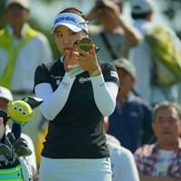 ちょっと、カメラマンがいっぱいいるじゃないのよ。お化粧直ししなくちゃ。 2019年 日本女子オープンゴルフ選手権 3日目 ユ・ソヨン