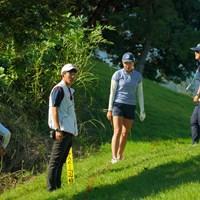 10番ティショットは大きく左へ曲がりペナルティエリアへ。 2019年 日本女子オープンゴルフ選手権 最終日 大里桃子