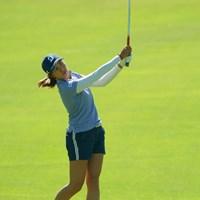 高身長と腕の長さで、大きなスイングアークが魅力的。 2019年 日本女子オープンゴルフ選手権 最終日 大里桃子