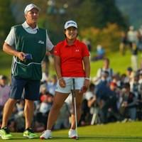 18番グリーンに上がり、ようやくホッとした表情を見せた。 2019年 日本女子オープンゴルフ選手権 最終日 畑岡奈紗